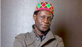 "Moussa Touré (Senegal). Creó una productora propia en 1987: ""Les Films du Crocodile"" con la que produjo documentales."